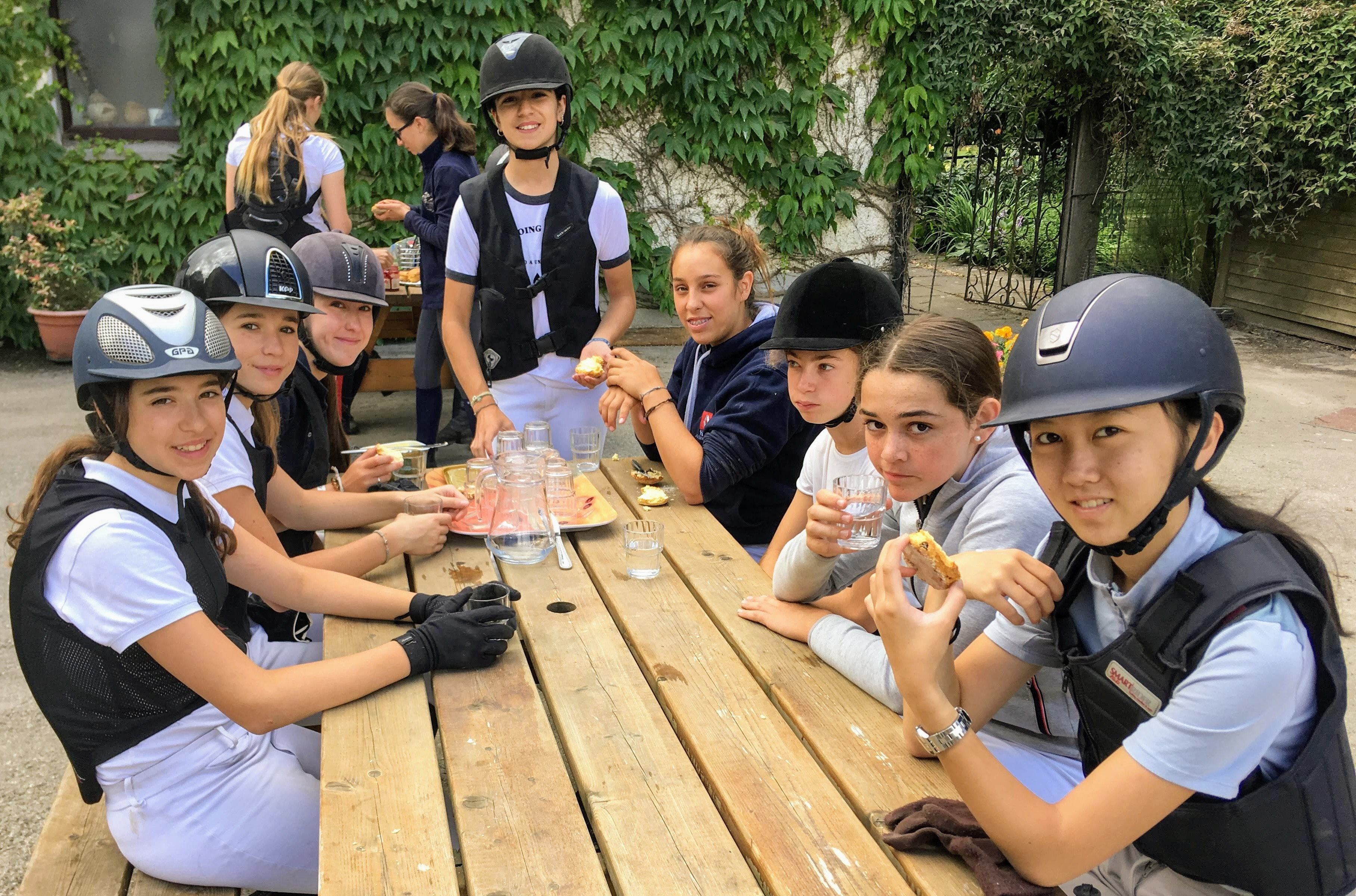 Horse Riding & English for Teenagers (10-18+)